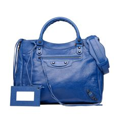 Check out BALENCIAGA CLASSIC VELO at http://www.balenciaga.com/en_US/shop-products/accessories/women/handbags/classic/balenciaga-classic-velo_804642889.html