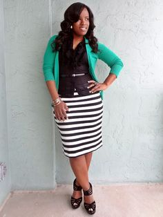 Striped pencil skirt, pencil skirt, black and white pencil skirt, curvy office outfits, curvy work outfit, curvy fashion blog, cardigan and pencil skirt