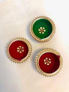 Items similar to Handcrafted Diwali Diya, Diya, Lantern piece set) on Etsy Diwali Decoration Lights, Thali Decoration Ideas, Diwali Decorations At Home, Diwali Lights, Diwali Diya, Diwali Craft, Diya Designs, Rangoli Designs, Diwali Painting