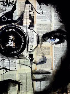 Me encantan los dibujos sobre papel de periódico de Loui Jover Curiosamante los cuatro que os posteo son caras de mujer con una cámara en l...