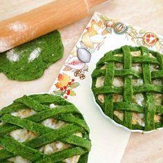 . < Torte rustiche agli spinaci ripiene di cavolo prosciutto cotto a dadini e ricotta! > . < Grazie @_l.a.u.r.e.t.t.a_ follow http://ift.tt/1rtfGy9