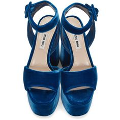 Miu Miu Blue Velvet Platform Sandals (€195) ❤ liked on Polyvore featuring shoes, sandals, velvet sandals, block heel platform sandals, miu miu shoes, leather sole sandals and blue block heel sandals