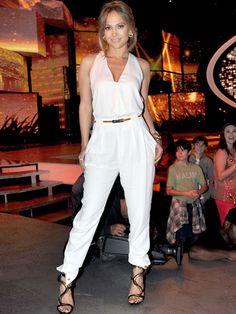 Jennifer Lopez Mom Style - Jennifer Lopez Fashion Photos - Redbook