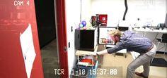 Descubre quien te está robando las bebidas de tu nevera con esta alarma DIY #raspberrypi #diy #makers