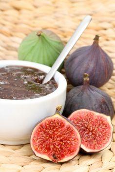 Una muy rica, fácil y nutritiva mermelada hecha con higos frescos.