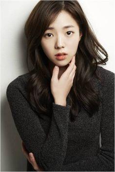 Love her hair! Korean Actresses, Korean Actors, Actors & Actresses, Korean Beauty, Asian Beauty, Korean Tv Shows, K Drama, Asian Cute, Kdrama Actors