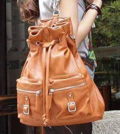 Ψάχνεις την κατάλληλη τσάντα για να σε εξυπηρετεί με τα πολλά αντικείμενα, στη δουλειά και τις βόλτες σου; Δες στο ediva.gr τις 25 καλύτερες τσάντες πλάτης!