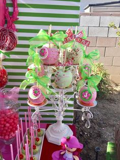 These Candy apples are so beautifully decorated! You do not want to miss this 'Very Berry Birthday'. See more party ideas and share yours at CatchMyParty.com