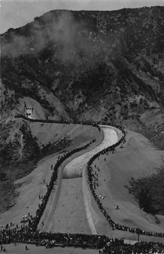 November 5, 1913 - People watch in amazement as the Los Angeles Aqueduct water starts flowing down the cascades into the San Fernando Valley..   52 Mule Team http://www.pinterest.com/pin/461056080575713332/ http://www.pinterest.com/slt1954/old-la/