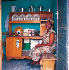 Shack Chic: Art and Innovation In South African Shack-Lands by Craig Fraser Blue Sky Movie, Shanty Chic, Culture Day, Gypsy Girls, Green Books, Slums, Portrait Inspiration, Inspired Homes, People Around The World