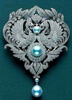 Diamond brooch with Mikimoto Pearls. #DiamondBrooches