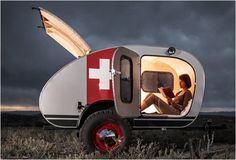 Vintage Overland Trailer est une remorque robuste habilement construite à la main, et spécifiquement conçue pour l'aventure.