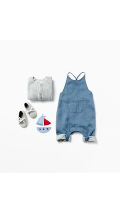 Sweet little dungarees outfit for baby boys