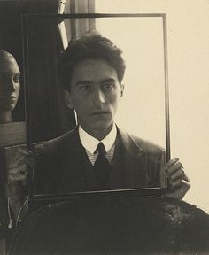 Jean Cocteau Portrait by Man Ray, a painter who went into photography. A dadaist, he believed art was kinetic and moving and changing. Art he felt when looked upon should provoke questions and thought. Photo Portrait, Photo Art, Portrait Photography, Street Photography, Landscape Photography, Photography Portraits, Nature Photography, Fashion Photography, Wedding Photography