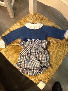 Mamamadejas Tricot Baby, Diaper Covers, Inspiration Mode, Little Fashionista, Classic Outfits, Baby Boy Outfits, Baby Love, Baby Knitting, Baby Dress