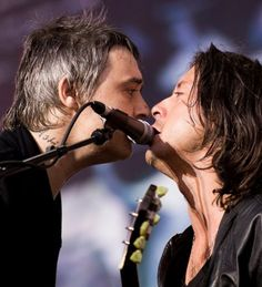 Libertines and Pogues pay tribute to the late Gerry Conlon of the Guildford Four in Hyde Park in #London on Saturday - PHOTOS #IrishInBritain The Irish Post - http://www.irishpost.co.uk/
