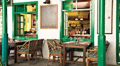 Restaurante El Patio Canario, en Costa Teguise (Lanzarote), ofrece cocina internacional y local realizada con productos frescos.