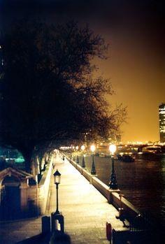 A night walk along The Thames, London.
