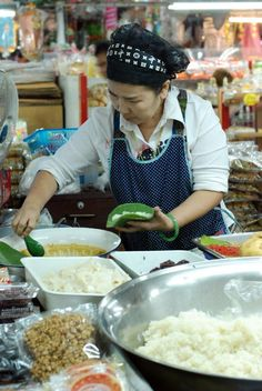 Chiang Mai, Thailand Street Food:Sticky Rice with Sweet Mango and/or Delicious Custard