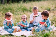 Pose ideas for families with four kids | Rustic Family Photo Session | St. Louis Lifestyle Photography — St. Louis Wedding Photography | Erin Stubblefield Weddings and Portraiture | Documentary Photojournalist