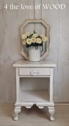 4 the love of wood: SHABBY CHIC BEDSIDE TABLES & FRESH FLOWERS