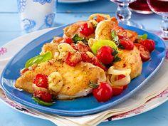 Unser beliebtes Rezept für Zwiebelhähnchen mit Tomaten und mehr als 55.000 weitere kostenlose Rezepte auf LECKER.de.