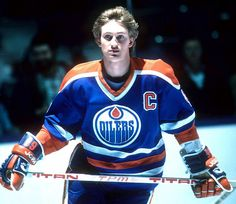scored his NHL record point of season 28 years ago today 213 Just think about that. Hockey Season, Player Card, Wayne Gretzky, Edmonton Oilers, Vancouver Canucks, Nfl Fans, National Hockey League, Hockey Players, Ice Hockey