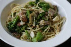 Recipe: Spaghetti with bacon, broccoli and garlic