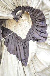 All The Pretty Dresses: Fabulously Awesome Purple Dress (many pics at link of construction and details) Victorian Gown, Victorian Costume, Victorian Fashion, Vintage Fashion, Victorian Gothic, Gothic Lolita, Historical Costume, Historical Clothing, Historical Dress