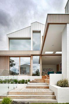 House Cladding, Facade House, House Facades, Timber Cladding, Exterior Cladding, Design Living Room, Dream House Exterior, Beach House Exteriors, Interior Design