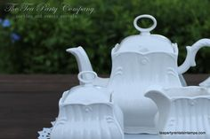 from the white collection, another gorgeous white tea pot set!! we have a matching teacup & saucer!