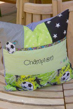 personalisiertes Namenskissen I Geburtskissen I Babykissen I Taufkissen I Fußball