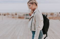 Check it out! Find best deals here - AdvenchMarkt Store Selfie Sexy, Tomboy Outfits, Color Cobrizo, Troubled Teens, Hip Hop, Swag, Stylish Jeans, Your Girlfriends, Lightweight Jacket