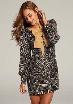 Cute Dress. Cool print, pretty collar.