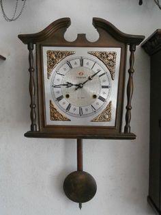 Relojes: Sobremesa Y Pared Antiguo Reloj Mecánico Manual A Llave De Pared Con Campanadas Principio 1900 Muebles Antiguos Y Decoración