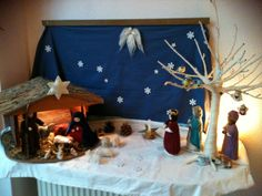 Christmas waldorf felt by Christmas Nativity Set, Cozy Christmas, A Christmas Story, Waldorf Crafts, Waldorf Dolls, Waldorf Kindergarten, Winter Table, Nature Table, Holiday Crafts