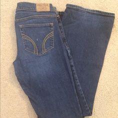 Hollister jeans! Dark wash hollister jeans! Great fit. Hollister Jeans Flare & Wide Leg