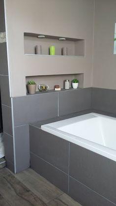 salle de bain moderne design niche intégré spot
