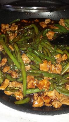 CHICKEN AND GREEN BEAN STIR FRY== 1 1/2 lb chicken breasts, 1 1/4 lb green beans, 2 T cooking oil ==MARINADE==    3 T soy sauce,  2 T dry sherry, 1 clove garlic  =SAUCE=    2 T brown sugar  1 T cornstarch, 1 T apple cider vinegar , 6 T soy sauce, 1 clove garlic, 2 T dry sherry, 3 T hoisin sauce ====