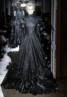 dezeen_Autumn-Winter-2013-collection-by-Gareth-Pugh_9