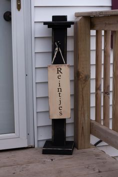 Last name / Welcome sign post
