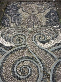 Arabella Lennox Boyd – invention and boundless imagination in the gardens at Gresgarth Hall Pebble Mosaic, Pebble Art, Mosaic Art, Mosaic Tiles, Garden Paths, Garden Art, Spirals In Nature, Pebble Garden, Recycled House