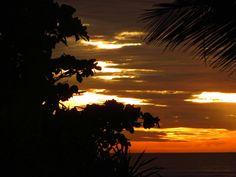 Amanhecer do dia 02/01/2015 na praia de Suarão-SP.