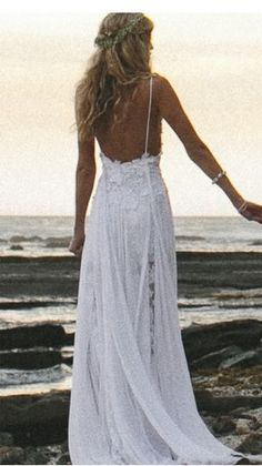 The Holly Wedding Dress. Don't normally pin things like things, but too goregous to resist