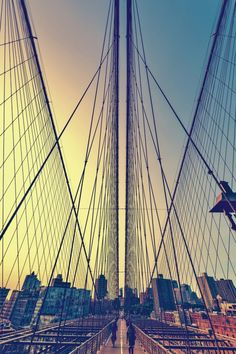 Kurt Krause: New York Brooklyn Bridge Leinwandbilder Brooklyn Bridge, Vinyl, Sailing Ships, San Francisco Skyline, New York City, Poster, Boat, Wall Art, Building