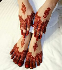 You searching for henna hand designs or Mehndi patterns then Click Visit link to read Henna Hand Designs, Mehndi Designs Finger, Legs Mehndi Design, Modern Mehndi Designs, Wedding Mehndi Designs, Wedding Henna, Beautiful Mehndi Design, Bridal Henna, Bengali Wedding
