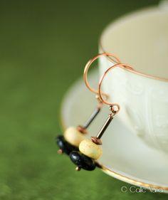 Boucles d'oreille en Lave noir et Turquoise jaune : Boucles d'oreille par callenana