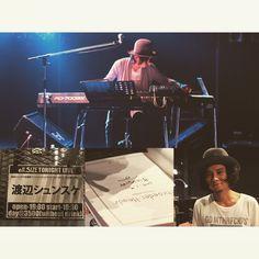 今日は2015年のライブ始めでした◎ 渡辺シュンスケの生誕祭シンシュンシュンチャンショー2015~名古屋帰郷編~(タイトル長っ!w)  この方のピアノ大好きなのです♡ シュローダーの曲ほんとかっこよいー◎ 今日は、cafelonとしての歌モノもありで、ちょっと違った1面も見れて?聞けて?よかった♪  渡辺シュンスケさんを見てるとピアノ弾けるようになりたいなぁ…と思うけど、楽譜すら読めない私は即諦めるワケですw  いやー、素敵なライブでした♪  と、iPodで曲を流しながらお風呂に入り余韻に浸ってたら、湯船でウトウトしてしまいましたww  #SchroederHeadz #渡辺シュンスケ #ピアノ Ipod, Instagram Posts, Movies, Movie Posters, Films, Film Poster, Ipods, Cinema, Movie