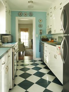 Surprising Black and White Kitchen Floor Tiles Design Ideas : Black White Kitchen Tile Floor Ideas Combined With White Wooden Kitchen Cabinets White Kitchen Floor, Cute Kitchen, Kitchen Redo, Vintage Kitchen, Kitchen Remodel, Kitchen Cabinets, 1950s Kitchen, Rustic Kitchen, Long Kitchen