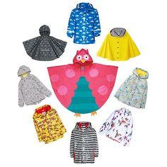 Of het nou regent of niet deze jassen zijn al leuk om gewoon aan te trekken.  Strepen: @playshoes  Papegaaien: @molo  Honden: @roomseven_nl  Cape: @petitbateau  Haaien: Stoerekindjes-regenkleding  Wolkjes: @hemanederland  Beentjes: @marksandspencer  Brandweer: @hatley via @zalando #kekmama #kekmamamagazine #mama #kind #fashion #shopping #regenjassen #kinderjassen #regen